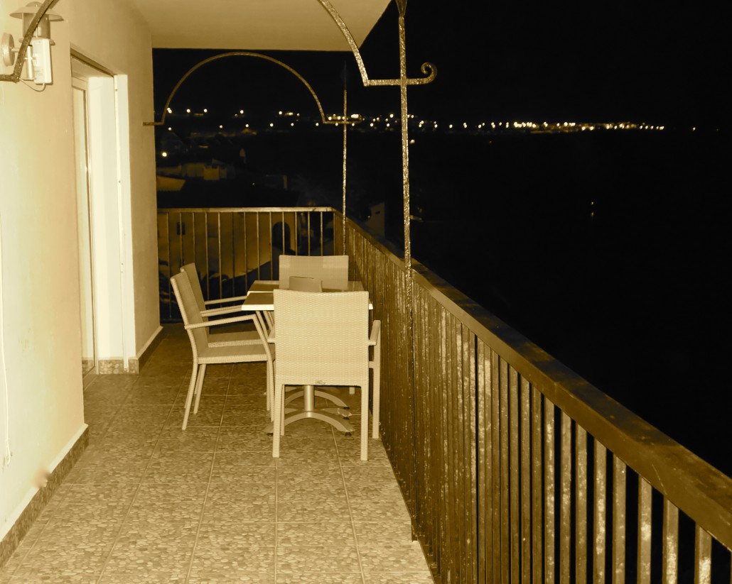 Rocamar top floor for Balcony at night